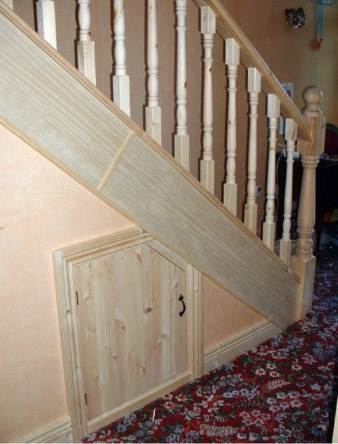 Pine stairs door choice doors floors stairs for Escaleras en escuadra